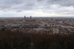 フルヴィエールの丘から見るリヨンの街並み